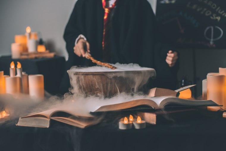 Kouzelník vařící lektvar